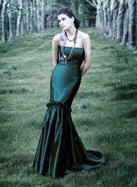 Google Image Result for http://blog-imgs-42-origin.fc2.com/w/h/i/whiteweddingdresses/emerald-green-wedding-dresses-.jpg