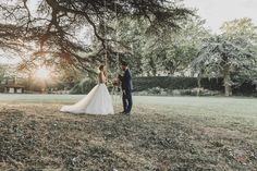 Séance couple en Provence, Photographe en Provence Photos, Couple, Love, Wedding Dresses, Provence Wedding, Romantic, Photography, Amor, Bride Dresses