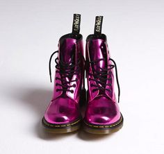 doc martens are the best boots you can buy Dr. Martens, Doc Martens Stiefel, Doc Martens Boots, Sock Shoes, Cute Shoes, Me Too Shoes, Shoe Boots, Dress Boots, Zapatos Shoes