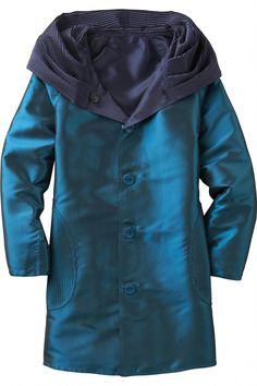 """Shop TravelSmith for our Packable Reversible Accordion-Hood Coat. Browse our online catalog for the best in clothing, gear and inspiration for journeys near and far. Baby Raincoat, Yellow Raincoat, Hooded Raincoat, Raincoats For Women, Size 10, Jackets, Stuff To Buy, Outfits, Shopping"