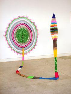 Carolina Ponte  Sem Título  2009  Escultura de crochê  250 x 300 x 220 cm
