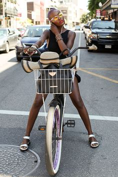 BGKI - the website to view fashionable & stylish black girls shopBGKI today Black Girls Rock, Black Girl Magic, Essence Festival, Cycle Chic, Bicycle Girl, Bike Style, Black Girl Fashion, Women's Fashion, My Black Is Beautiful