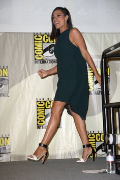 Pin for Later: This Year's Comic-Con Red Carpet Is Sexier Than Ever Before Rosario Dawson The actress kept it simple in a black sheath dress and two-toned ankle-strap heels.