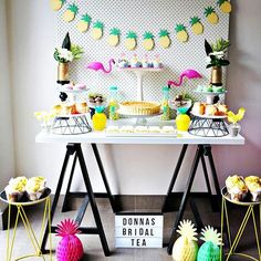 63 Bold And fun Tropical Bridal Shower Ideas Tiki Party, Festa Party, Luau Party, Baby Party, Tropical Bridal Showers, Tropical Party, Flamingo Party, Party Entertainment, Party Planning