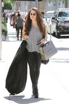 madison pettis driving 2015 | Madison Pettis - 2015 Celebrity Photos - Rodeo Drive in Beverly Hills ...