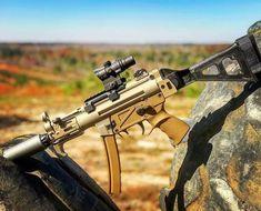 RAE Magazine Speedloaders will save you! Weapons Guns, Guns And Ammo, Battle Rifle, Submachine Gun, Shooting Guns, Fire Powers, Military Guns, Cool Guns, Assault Rifle