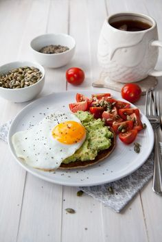 Oat pancake with avocado and egg recipe - soft and nutty pancake made from oat…