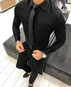 Mens fashion dressed in all black - Herren Mode Mens Fashion Suits, Mens Suits, Fashion Vest, Ootd Fashion, Stylish Men, Men Casual, Smart Casual, Casual Styles, Black Outfit Men
