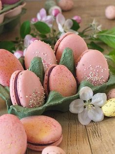 Ostereier Macarons - Nail and Make up Easter Cupcakes, Easter Cookies, Easter Treats, Desserts Végétaliens, Desserts Ostern, Easter Ham, Easter Brunch, Easter Party, Easter Cookie Recipes