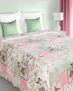 patchwork-prehoz-v-bielo-ruzovo-zelenej-farbe-s-prirodnym-vzorom Comforters, Blanket, Bed, Furniture, Home Decor, Scrappy Quilts, Colors, Creature Comforts, Quilts