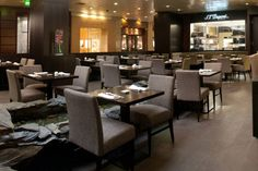 10 ресторанов-долгожителей, которые не испортились Conference Room, Table, Furniture, Home Decor, Decoration Home, Room Decor, Tables, Home Furnishings, Home Interior Design