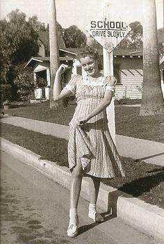 Photo of norma jean baker -rare photos for fans of Marilyn Monroe 36573835 Marylin Monroe, Young Marilyn Monroe, Marilyn Monroe Photos, Photo Vintage, Vintage Photos, Vintage Photographs, Pin Up, Norma Jeane, Rare Photos