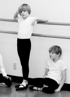 美少年画像bot(@bisyounenn_bot)さん | Twitter  Russian ballet studio for boys.