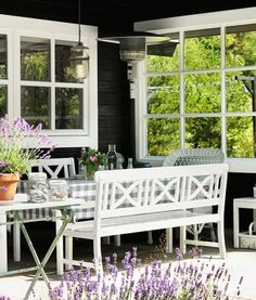 An idyllic Swedish cottage with outdoor kitchen and shower. Photo: Clive Tompsett.