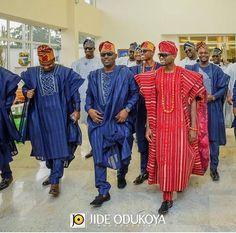 Nigerian Traditional Groom and Groomsmen Jide Odukoya Photography LoveWeddingsNG African Clothing For Men, African Men Fashion, African Wear, African Attire, African Lace, African Beauty, Fashion Men, Fashion Design, Agbada Styles
