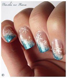 Snowflake nails !!!!!!!!!! So cute !!!