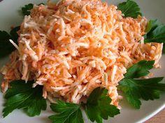 Smak Zdrowia: Surówka z selera i marchewki Green Veggies, Vegetables, Simply Recipes, Polish Recipes, Tzatziki, Macaroni And Cheese, Cabbage, Food And Drink, Tasty
