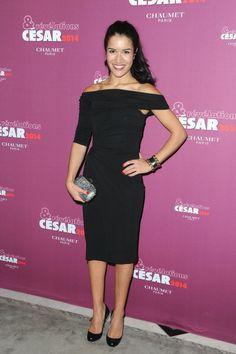 """L'actrice Sabrina Ouazani porte une robe en jersey de la collection PAULE KA """"Black Carpet"""" à l'occasion du dîner des révélations des César 2014 à Paris"""