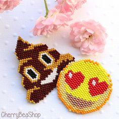 BROCHE emoji smiley cœur et poop