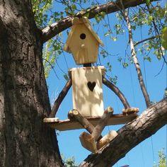 38 Ideas Unique Bird Houses Diy Garden Art For 2019 - Modern Garden Crafts, Garden Projects, Wood Projects, Garden Ideas, Wooden Bird Houses, Bird Houses Diy, Homemade Bird Houses, Garden Houses, Bird House Feeder