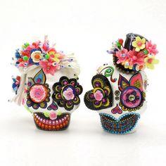 Skull Wedding Cake Toppers Dia De Los Muertos Ceramic Mexican Sugar Skull Handmade Gothic Wedding 00077  www.goodiemud.com