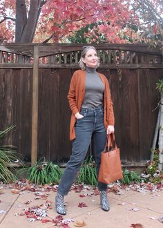 Chic, modern, sustainable basics for fall 2020. #ThanksgivingOutfit #FallOutfit #RealLifeStyle #CurvyJeans #AlpacaSweater #cozysweater #giftsforher #giftsforwomen #giftsforwomenover40 #oversizedcardigan #cardigan #cozycardigan #washedblackjeans #pimacotton, style over 40, style over 50, modern style, elevated basics