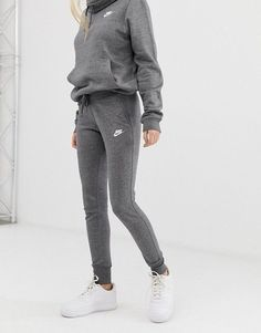 Buy Nike Club Grey Sweatpants at ASOS. With free delivery and return options (Ts&Cs apply), online shopping has never been so easy. Get the latest trends with ASOS now. Grey Nike Sweatpants, Cute Sweatpants Outfit, Outfit Jeans, Hoodie Outfit, Sweatpants Style, Cute Comfy Outfits, Sporty Outfits, Fashion Outfits, Cute Nike Outfits