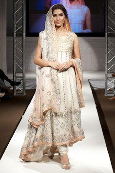 Asian Wedding Ideas - A UK Asian Wedding Blog: Pakistan Fashion Week 2011 London ~ Zainab Sajid