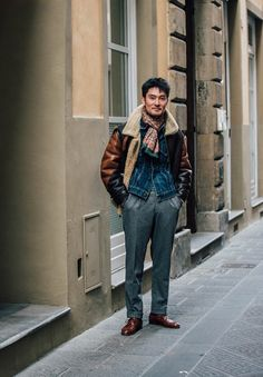 Menswear  Source: en.vogue.fr  Pitti Uomo 91 StreetstylePhotography: