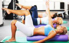 Fitness-Trend Faszienrolle - Rollt Euch jung: Die New Yorkerin Sue Hitzmann verspricht mit ihrer MELT-Methode mehr Vitalität und frischeres Aussehen. Mit einer Schaumstoffrolle.