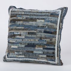 Artisanats Denim, Denim Art, Jean Crafts, Denim Crafts, Modern Pillows, Decorative Pillows, Denim Ideas, Recycle Jeans, Old Jeans