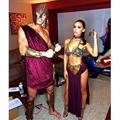 This is SPAAARTA!!! Awesome Couple Halloween costumes!!