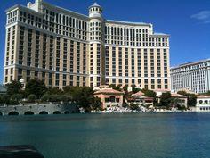 Las Vegas, NV Las Vegas, Louvre, Spaces, Mansions, House Styles, Building, Travel, Home, Viajes