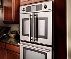 Easy-Access Wall Oven