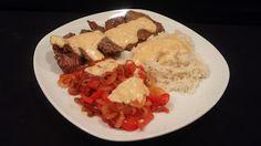 Allerlei Rezepte und mehr: Rindersteak mit Käsesauce und Reis