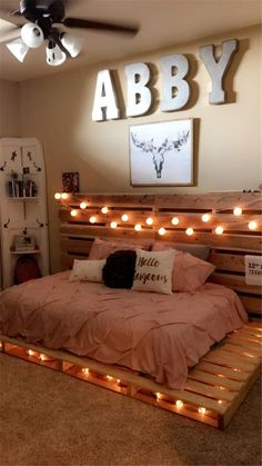 35 Best DIY Pink living room decor ideas for Teenage girls – page 21 – Chic Cu . DIY and Do-it-Yourself decorating - 35 Best DIY Pink living room decor ideas for Teenage girls – page 21 – Chic Cu … - Teen Girl Rooms, Teenage Girl Bedrooms, Cute Girls Bedrooms, Teen Girl Bedding, Pink Bedrooms, Bedroom Girls, Cute Room Decor, Diy Room Decor Tumblr, Diy Girl Room Decor