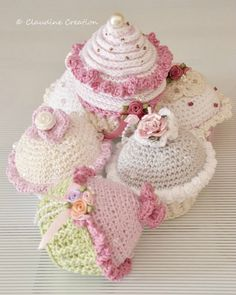 lalylala's birthday cupcakes. Link is provided for the free pattern tutorial on lalylala blog. I like Clo's softer country cottage interpretation.