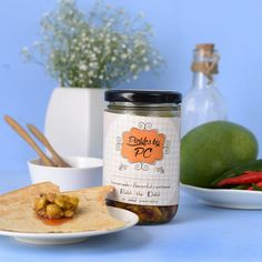 Product Description: This delicious pickle has Khatta Mango with whole chickpea and a burst of flavours of fennel seeds in mustard oil.