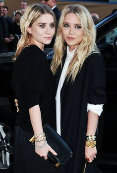 MKA MARY KATE ASHLEY OLSEN EVENT BEAUTY HAIR EARRINGS JACKET MAXI PLEATS SKIRT GOLD BLACK CLUTCH JEWEL BRACELETS BUTTON UP COLLAR SHIRT RINGS OLSEN STYLE FASHION BLOG