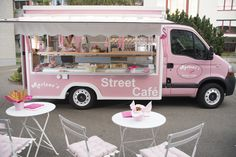Night Wedding The 11 coolest food trucks in Switzerland - perfect as catering for your wedding Food Trucks, Food Truck Catering, Taco Food Truck, Food Truck Menu, Food Cart Design, Food Truck Design, Food Truck Business, Bakery Business, Bakery Shop Design