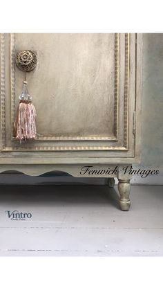 Timeless and Elegant – Fenwick Vintages Metallic Gold Paint, Gilding Wax, Dark Wax, Paint Finishes, Painted Furniture, Elegant, House, Painting, Vintage