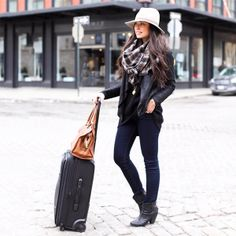 Kattanita in a perfect on-the-go look // #Fashion #StreetStyle