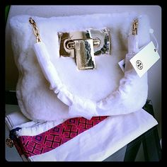 Tory burch fun fur clutch New...   SORRY NO TRADE, NO HOLD PLEASE!   WANT TO SAVE MORE? BUNDLE TO GET 20% OFF... ENTIRE CLOSET Tory Burch Bags