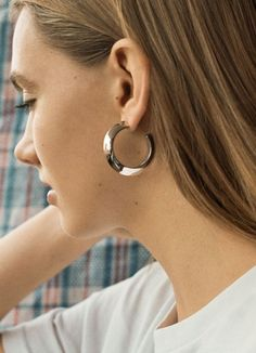 ELSE HOOP EARRING MEDIUM - HIGH POLISHED GOLD