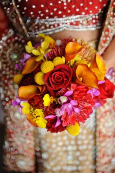 Who said an Indian Bride can't carry Flowers? #JADEbyMK #Wedding #India