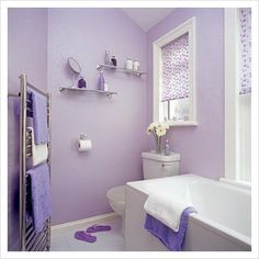 Wow perfect purple bathroom. My favorite.