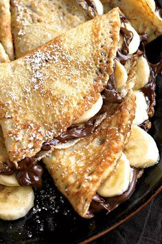 Lets be real though: Nothing compares to Nutella, so get yourself a jar and get to cooking up these ooey gooey Banana-Nutella crepes! Think Food, Love Food, Banana Nutella Crepes, Nutella Pancakes, Nutella Cake, Waffles, Sweet Crepes Recipe, Breakfast Recipes, Dessert Recipes