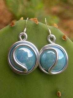 boucles d'oreilles E52 grand ying-yang bleu ciel nacré