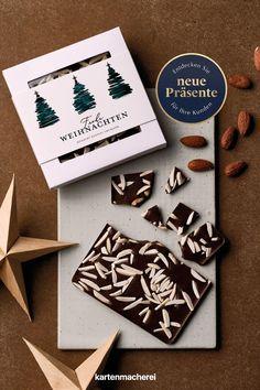 Überrasche deine Mitarbeiter oder Geschäftspartner mit Schokoboxen als Geschenk zu Weihnachten. Verschenke dieses Jahr etwas ganz Besonderes an deine Kunden: Eine Schokobox als Geschenk mit deinen Weihnachtswünschen und deinem Dank für die Zusammenarbeit über das Jahr. Company Christmas Party Ideas, Christmas Is Coming, Silver Anniversary, Father's Day, Invitation Cards