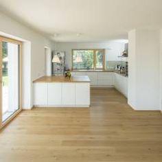 siedlungshaus perfekte k chenaufteilung ohne h ngeschr nke daf r mit schickem heizk rper und. Black Bedroom Furniture Sets. Home Design Ideas